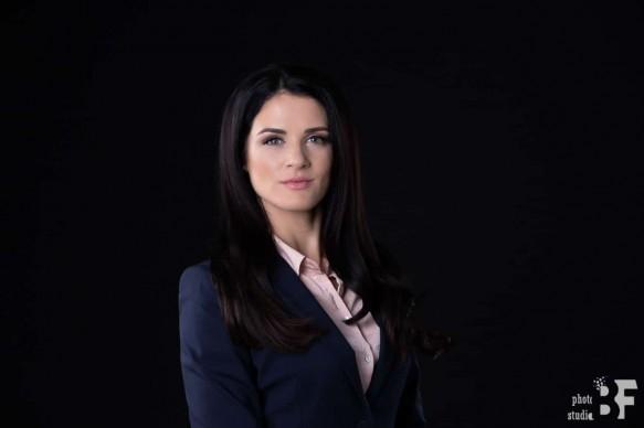 бизнес портрет във фото студио